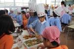 ピエトロさんと食育活動の写真